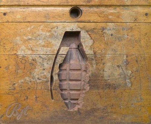 desk-art-grenade