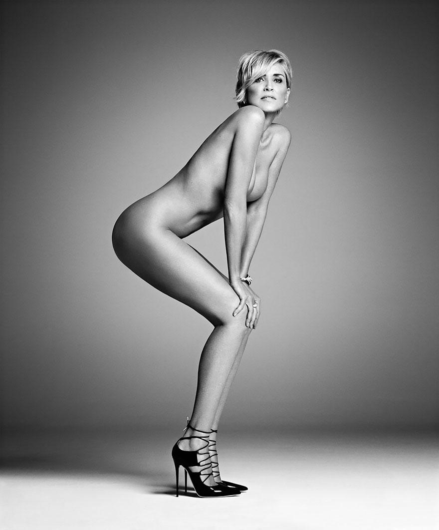 Sharon Stone nuda per Harper's Bazaar nelle foto di Mark Abrahams