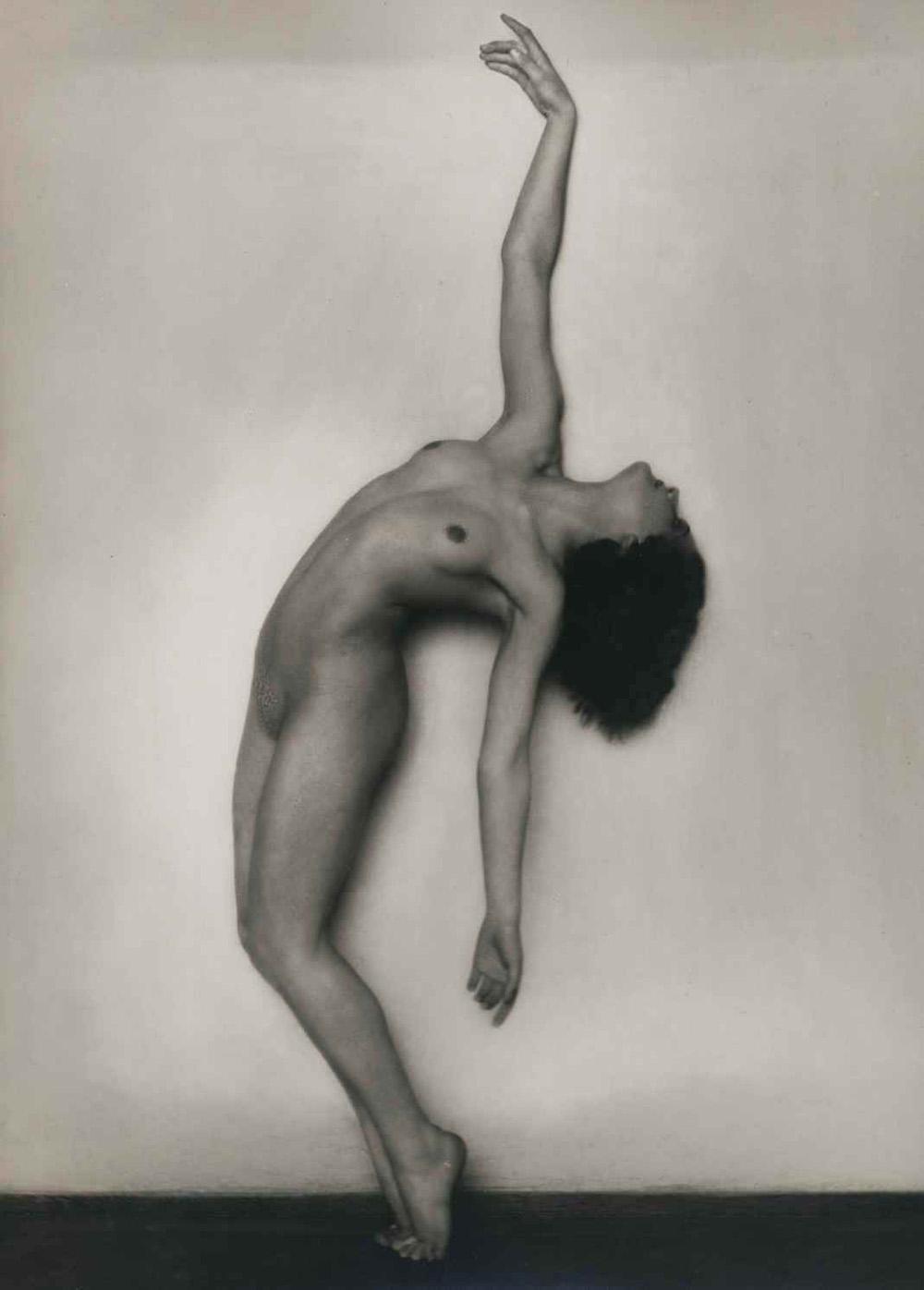 09_Rudolf Koppitz_nude study_1925