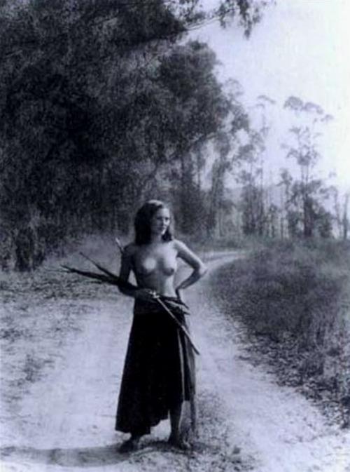 38_A romany maid 1935_william mortensen