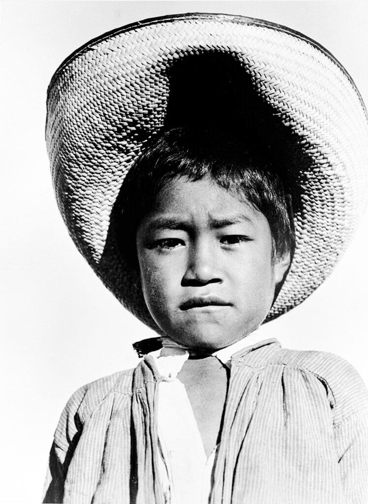 Tina Modotti, Bambino con sombrero, 1927.