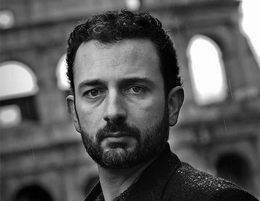 Lo scrittore Yari Selvetella